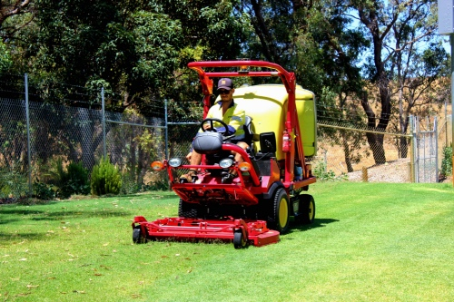 Landscaping Services - Green Mowing